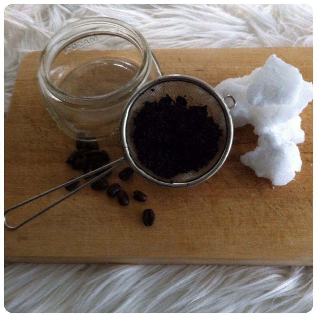 Coffee and coconut anti-cellulite DIY